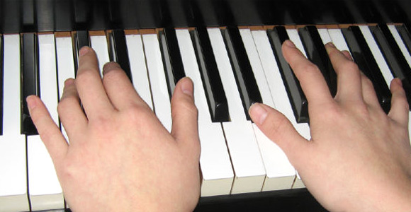 learn-to-play-piano-slider1